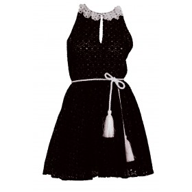 f7a4d7c988e4 Φόρεμα απο μαύρη δαντέλλα με λευκό γιακαδάκι